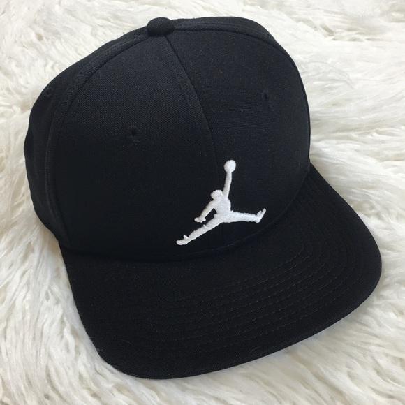 e5e838c3594088 ... greece jordan black white snapback flat bill hat 169f4 db145